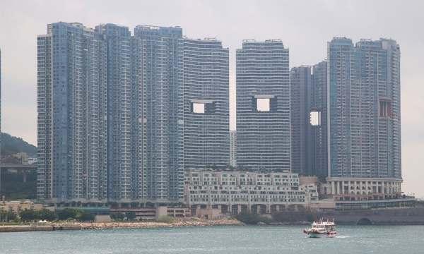 Уверены, вы не знаете, зачем строятся огромные дыры в зданиях в Гонконге