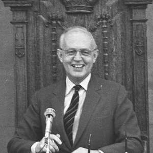 Сэр Эдвард Юде (1924-1986)