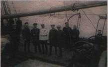 Участники экспедиции на палубе парохода «Святой Фока». В центре - Г.Я. Седов.